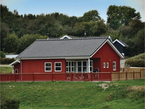 Three-Bedroom Holiday home Nordborg with a Fireplace 09