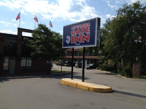 Mississauga Gate Inn