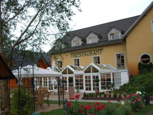 Seehotel & Wellnessdorf Arche Noah