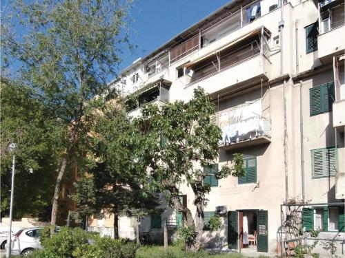Apartment Split 12