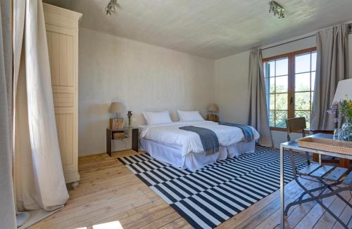 Deluxe Double or Twin Room with Lake View Finca Fuente Techada - Adults Only 1