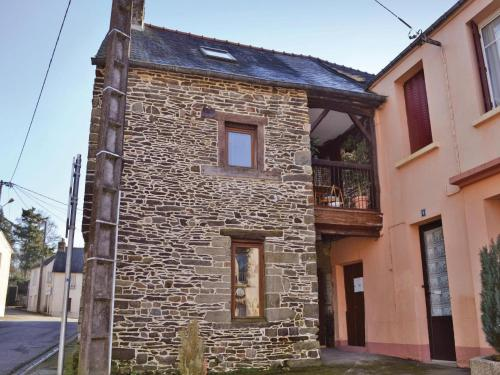 Two-Bedroom Holiday home Neant-sur-Yvel with a Fireplace 07