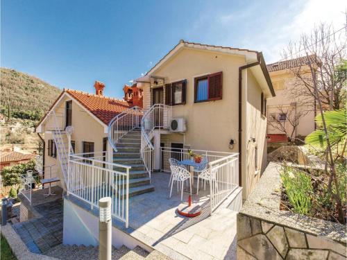 Apartment Moscenicka Draga with Sea View 02