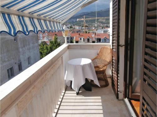 One-Bedroom Apartment Podstrana 01