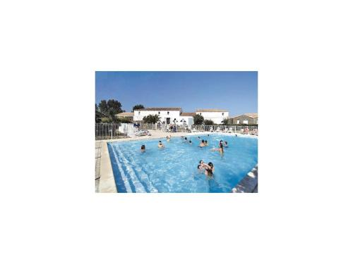 Apartment Le Chateau d'Oléron 31 with Outdoor Swimmingpool