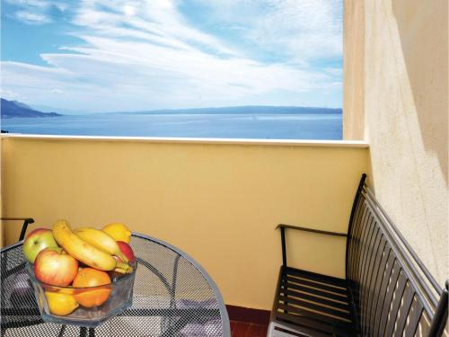 Two-Bedroom Apartment Split with Sea View 04