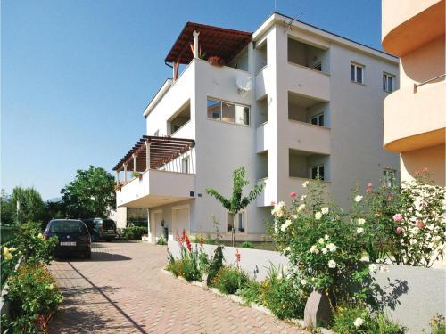 Apartment Podstrana with Sea View IV