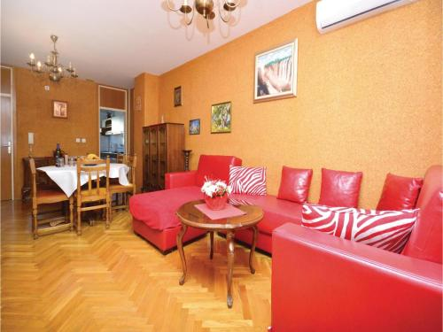 Two-Bedroom Apartment Vukovarska 03