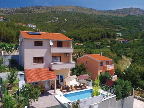 Holiday home Podstrana with Sea View 365