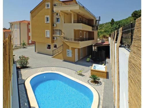 Two-Bedroom Apartment with Sea View in Makarska