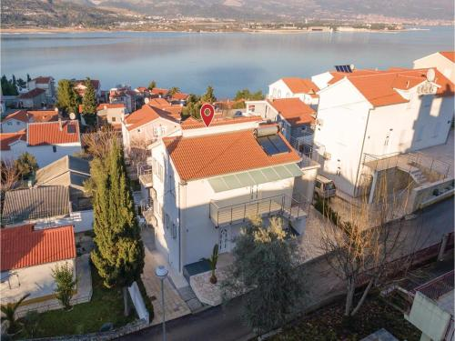 Apartment Trogir with Sea View 04