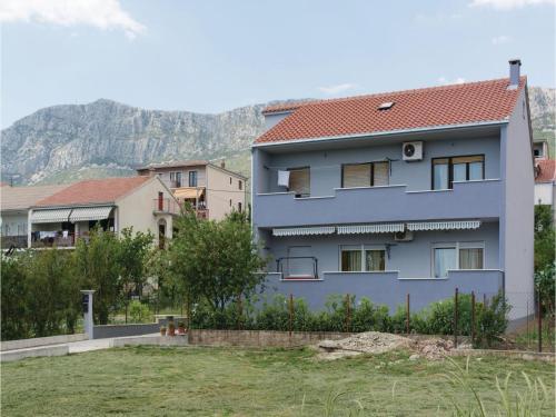 Three-Bedroom Apartment in Kastel Sucurac
