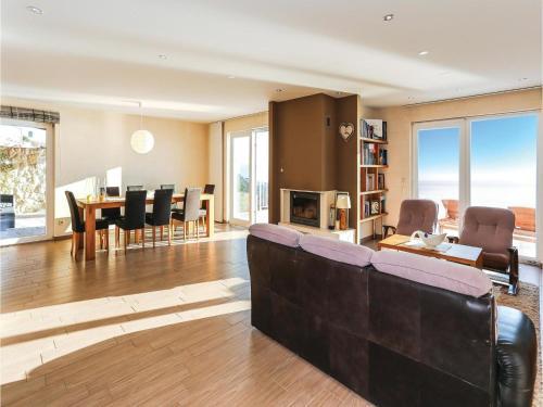Apartment Borak with Sea View 05