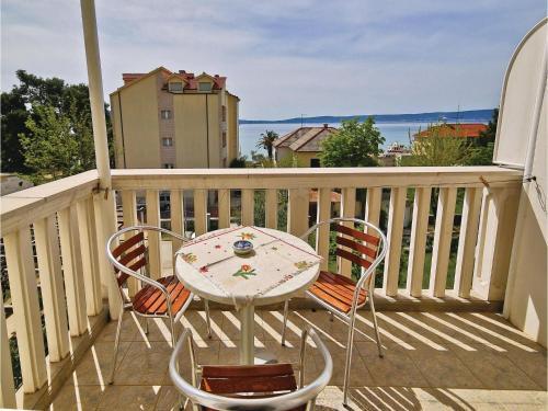 Two-Bedroom Apartment in Kastel Gomilica