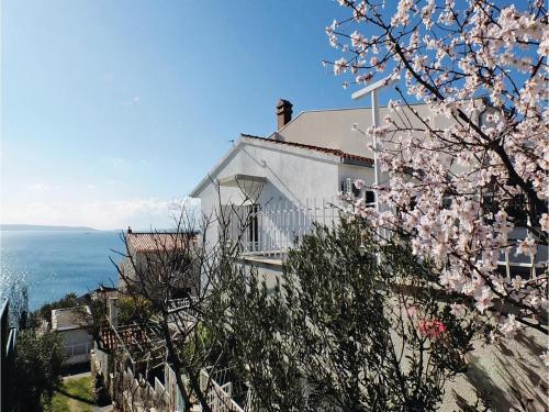 Apartment Seget Vranjica with Sea View VI