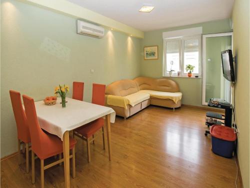 Apartment Omis X