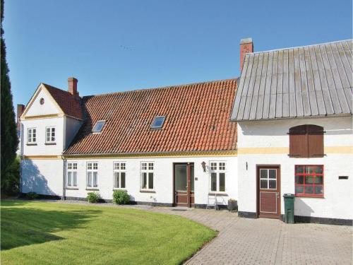 Holiday home Nyrøjsvej