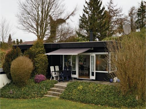 Two-Bedroom Holiday home Bogø By with Sea View 01