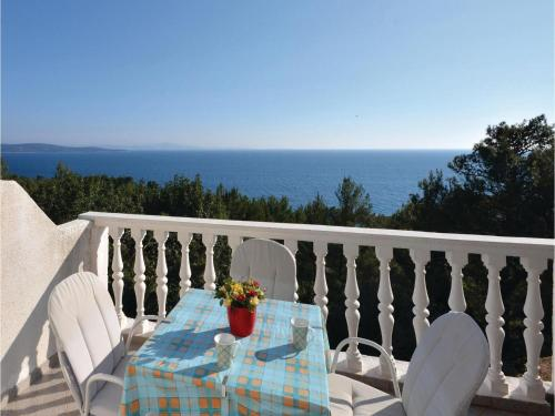 Apartment Ivan Dolac with Sea View VI