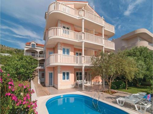 Apartment Zatoglav with Sea View 05