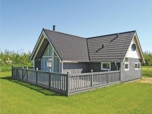 Holiday home Hestefolden
