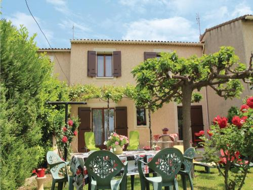 Holiday Home Pernes Les Fontaines - 01