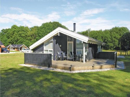 Holiday home Pøt Strandby Denmk