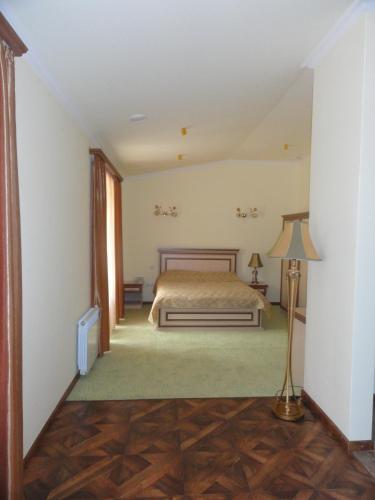 Отель Диана