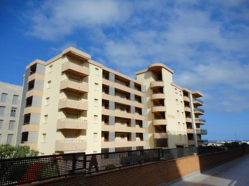 Apartaments Lamoga - Monteixo front view