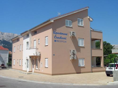 Apartments Crnekovic