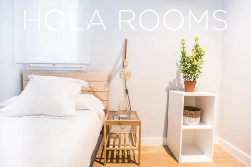 Hola Rooms