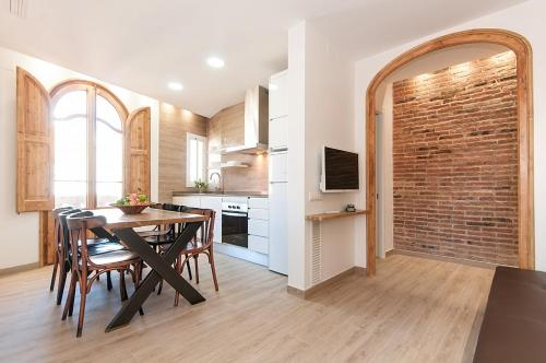 Barcelona Home- Camp Nou Apartments