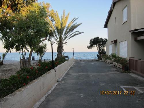 Spiros Seaside Villa part 1