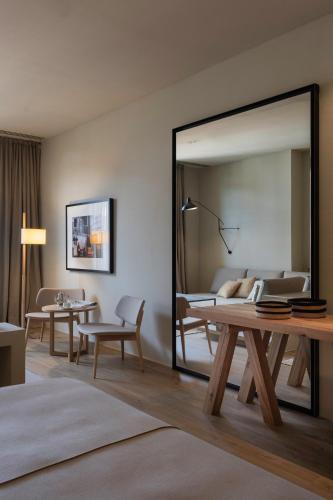 Junior Suite mit Terrasse Hotel Peralada Wine Spa & Golf 4