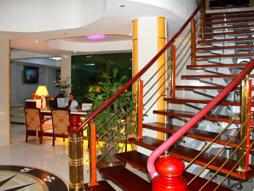 Отель The Privi Suites 2 звезды Таиланд