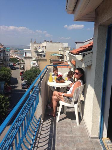 Lira Sto Apartments