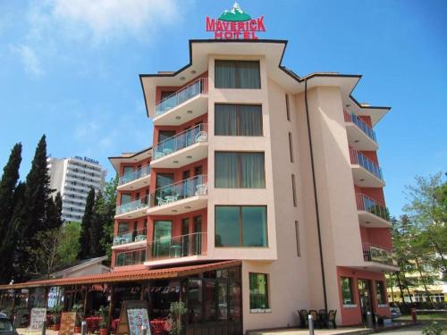 Rooms & Apartments Maverick Hotel