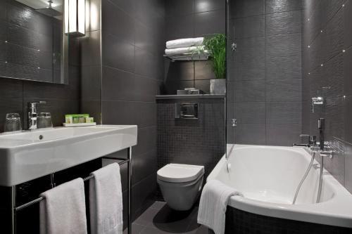 Le grey hotel h tel 12 rue de parme 75009 paris for Rue de parme