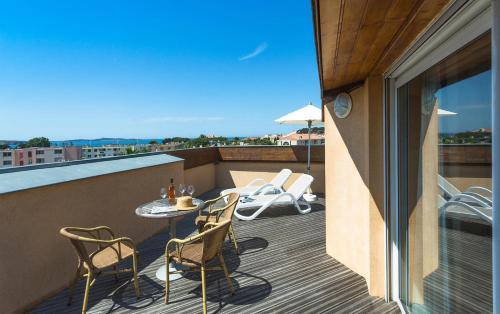 Best western plus soleil et jardin sanary sur mer prix for Best western hotel soleil et jardin