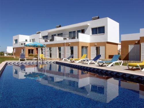 Hotel apartamentos maritur albufeira desde 120 rumbo for Hoteles familiares portugal