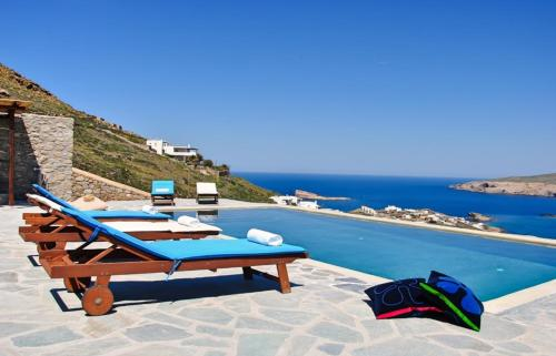 Five-Bedroom Agios Villa #1708