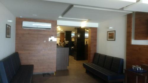Kalyans Hotel