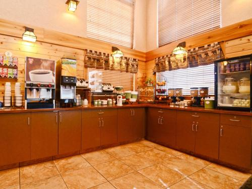 Best Western Plus Kelly Inn And Suites