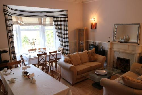 Dalmore Lodge Guest House