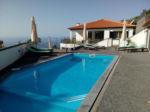 casa agapanthe piscine et vue mer