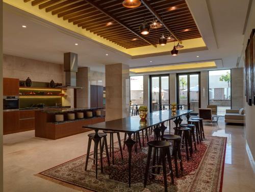 Park Hyatt Abu Dhabi Hotel and Villas photo 2