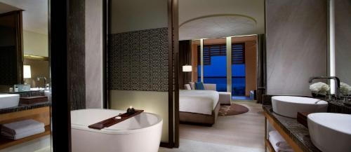 Park Hyatt Abu Dhabi Hotel and Villas photo 52