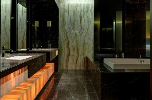 Park Hyatt Abu Dhabi Hotel and Villas photo 69