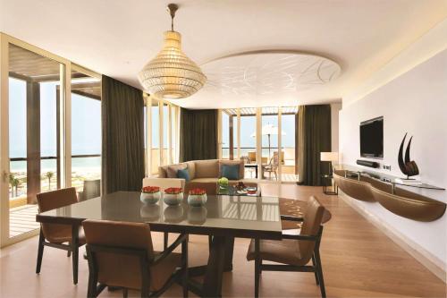Park Hyatt Abu Dhabi Hotel and Villas photo 26