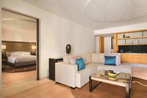 Park Hyatt Abu Dhabi Hotel and Villas photo 32
